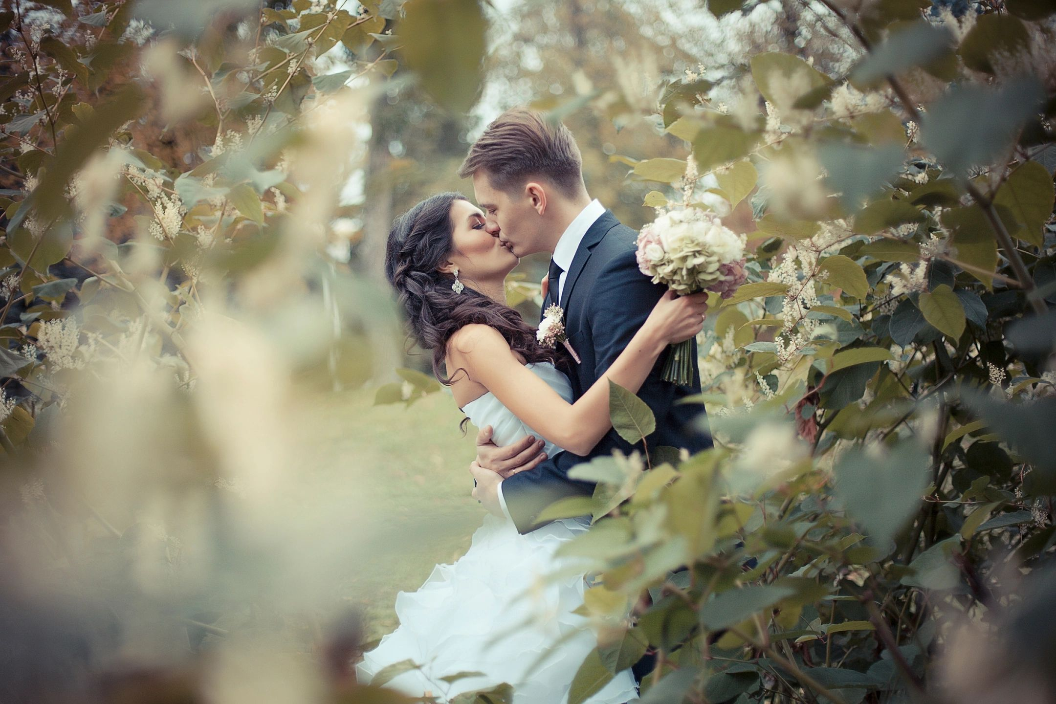This couple planned the perfect garden wedding and, with these tips, you can too!